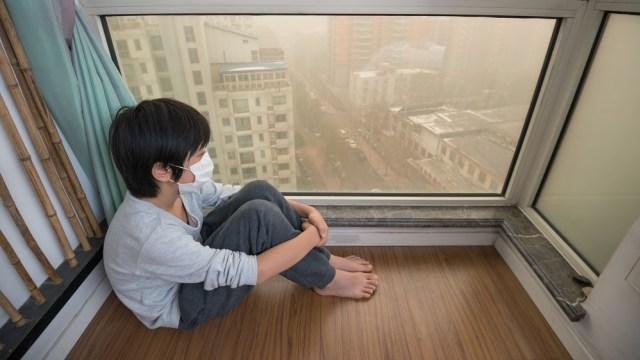 Anak terdampak polusi.