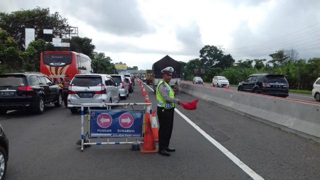 Lalu-lintas Puncak Bogor mulai padat jelang libur tahun baru 2019