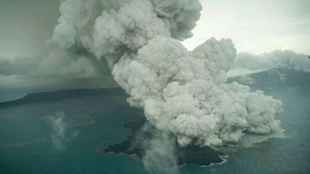 Hoaxbuster: Tak Benar Gunung Anak Krakatau Akan Erupsi Akibatkan Gempa 8 M (526943)