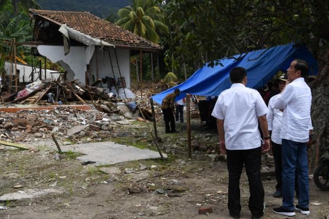 (NOT COVER)Presiden Joko Widodo, Kunjungan Kerja, tsunami Selat Sunda, Desa Kunjir, Rajabasa Lampung Selatan, Lampung Selatan
