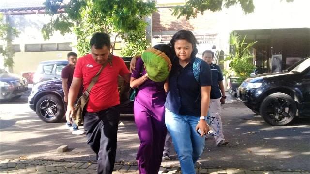 Vanessa Angel, Prostitusi Online, Surabaya