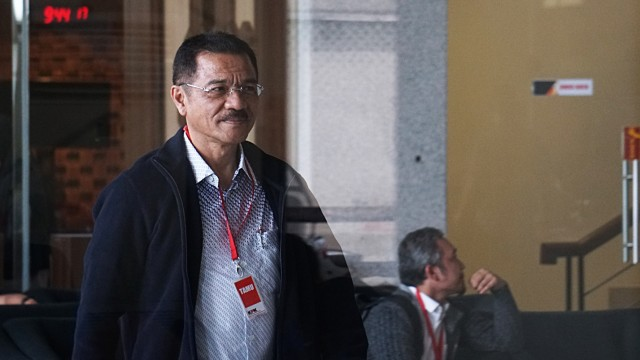 Datang ke KPK, Gamawan Fauzi Diperiksa Kasus Korupsi Gedung IPDN (513101)