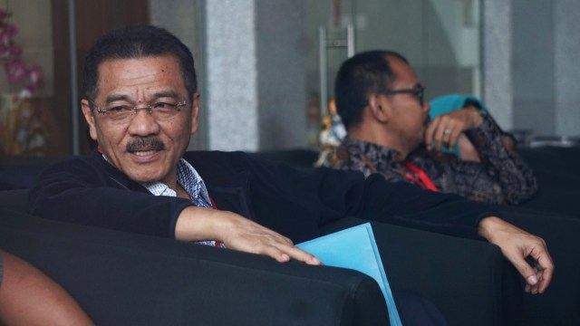 Datang ke KPK, Gamawan Fauzi Diperiksa Kasus Korupsi Gedung IPDN (513102)