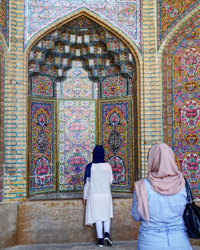 Mengintip Indahnya Masjid Tua Nasir al-Mulk di Iran yang Instagramable (215905)