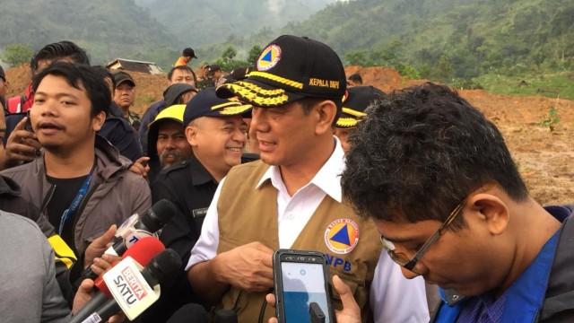 Doni Monardo Tinjau Lokasi Terdampak Gempa Sukabumi