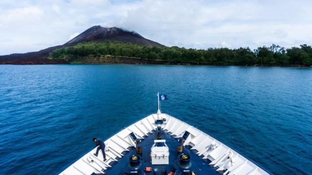 Melihat Penampakan Gunung Anak Krakatau Sebelum dan Sesudah Erupsi (319273)