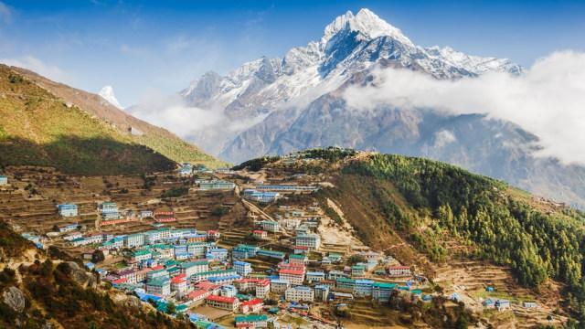 Terjebak Lockdown di Atap Dunia: Kisah Para WNI di Nepal (15624)