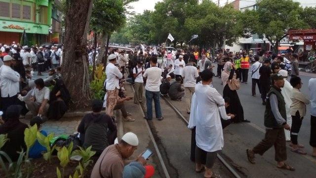 Massa padati lokasi tablig akbar 212 Solo Raya