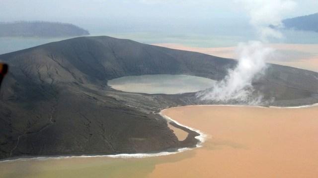 Gunung Anak Krakatau Berhenti Erupsi Status Tetap Siaga