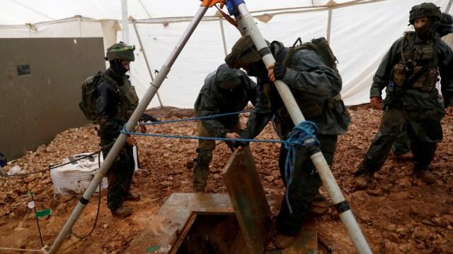 Lubang gali perbatasan Lebanon sampai Israel