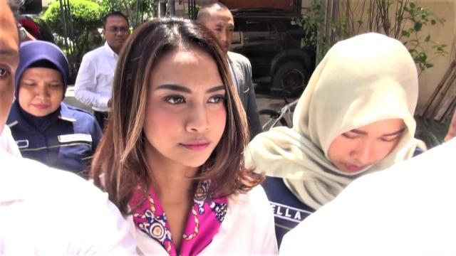 Wajib Lapor, Vanessa Angel Kembali Sambangi Polda Jatim (289938)