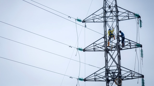 Sebelum Mati Listrik Massal Ada Ledakan Kabel Sutet Di Semarang Kumparan Com