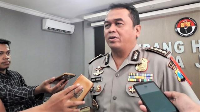 Kepala Bidang Humas Kepolisian Daerah Jawa Timur Komisaris Besar Frans Barung Mangera