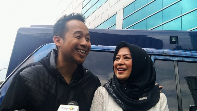 Denny Cagur dan Istri, Santi