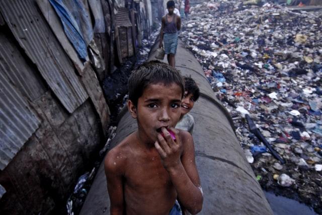 Anak-anak di Dharavi, India