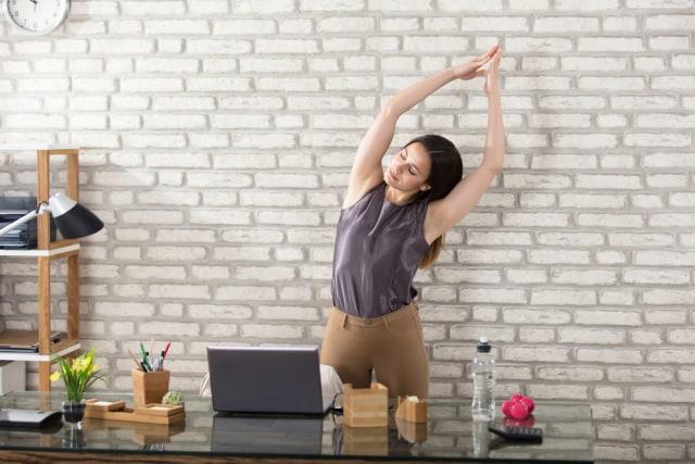 6 Tips agar Tubuh Tetap Fit saat Menjalani Aktivitas Kerja yang Padat (438098)