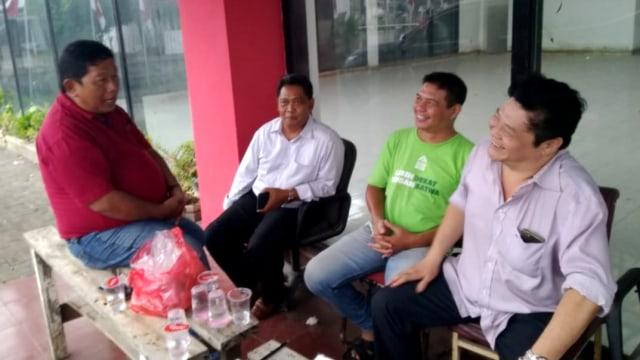 Budi Winarno, Ketua RW Perumahan Taman Marina, Posko Relawan Jokowi di Madukoro