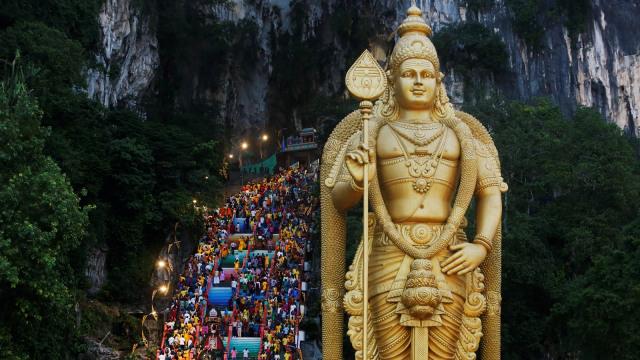 Tradisi Tahaipusam, Hindu, menebus dosa, Kuala Lumpur, Malaysia
