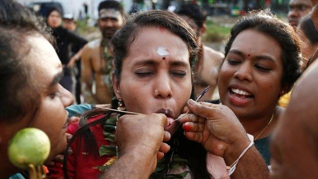 Tradisi Tahaipusam, Hindu, menebus dosa,Kuala Lumpur, Malaysia