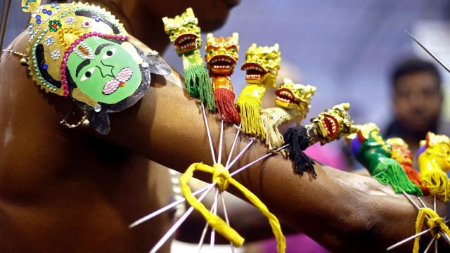Tradisi Tahaipusam, Hindu, menebus dosa, Singapura