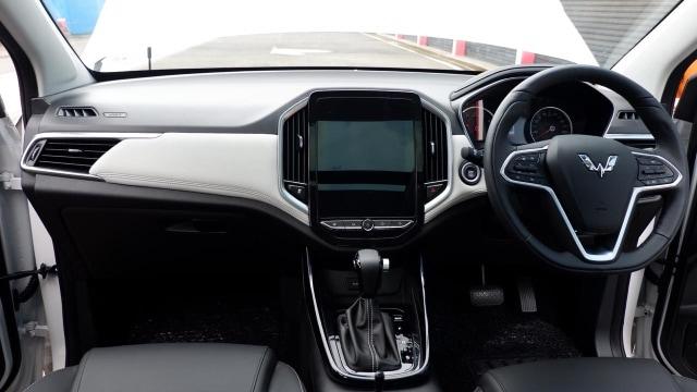 Otomotif, Wuling Almaz, mobil baru 2019, info mobil, indonesia