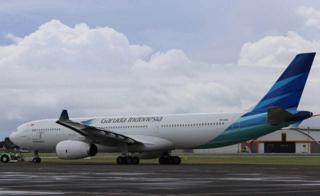 Garuda Indonesia Lakukan Penerbangan Perdana dari London ke Denpasar (40881)