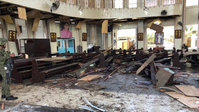 Ledakan Bom Filipina, Gereja Katolik Roman, Filipina