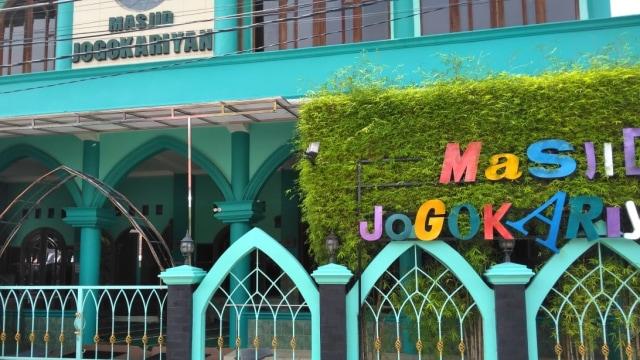 Masjid Jogokariyan usai kerusuhan di Yogyakarta