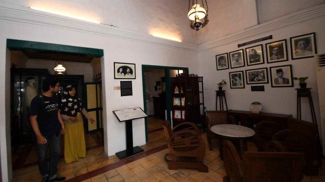 Foto:  Melihat Isi Museum Tokoh Sarekat Islam di Surabaya (1)