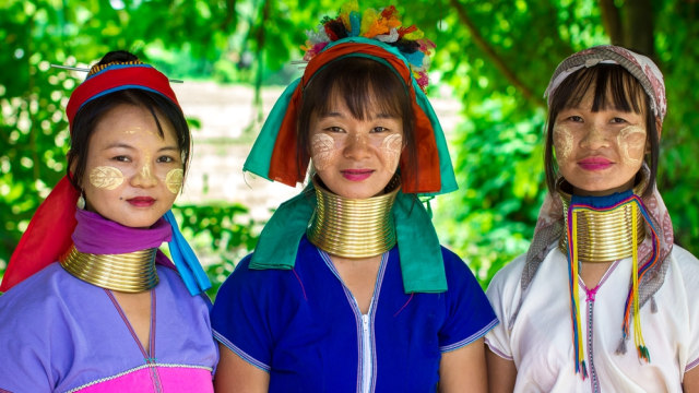 5 Tradisi Menyakitkan Para Wanita di Dunia Demi Menyandang Predikat Cantik (35384)