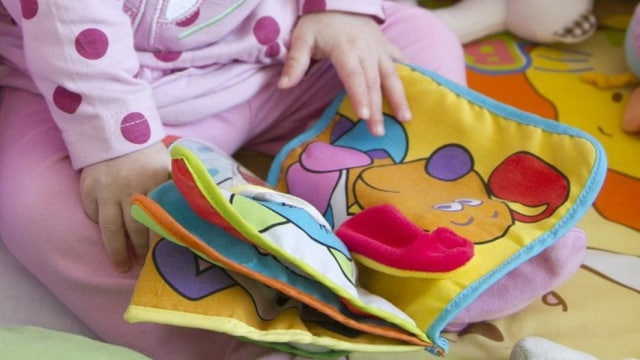 Buku kain khusus untuk bayi
