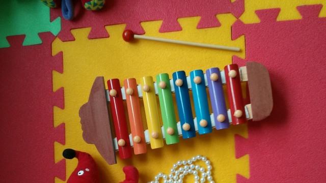 Ilustrasi mainan bayi