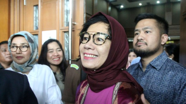 Sidang perdana Mantan Direktur Utama PT Pertamina, Karen Galaila Agustiawan