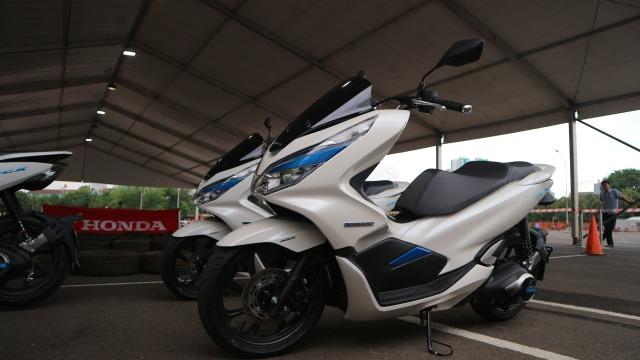Asuransi Astra dan HSO-AHM Rancang Skema Premi Motor Listrik (315291)