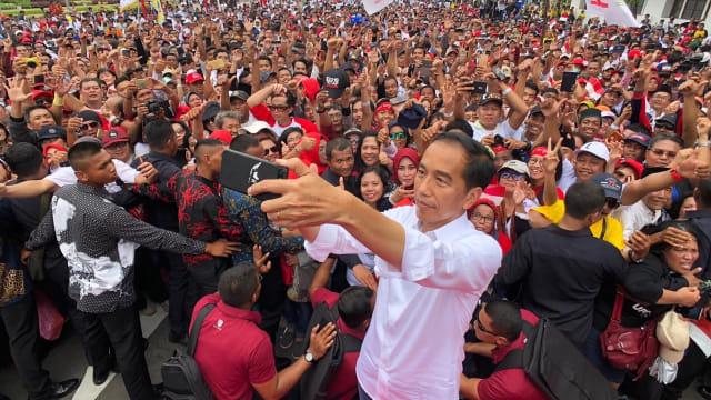 Calon Presiden nomor urut 01, Joko Widodo, Swafoto, Surabaya