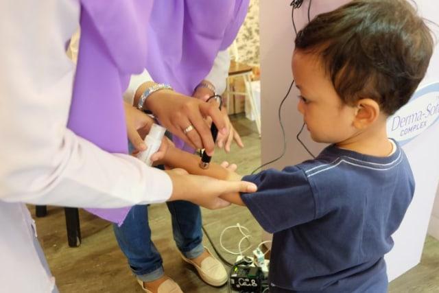Tips Memilih Perawatan Kulit Sensitif Bayi (326744)