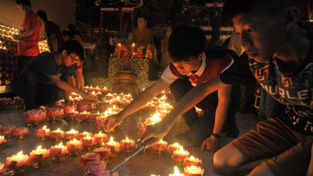 Imlek, Umat Budha, Vihara Dharmakirti, Palembang