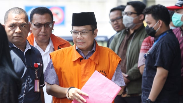Wakil Ketua DPR Taufik Kurniawan Jalani Sidang Perdana Rabu, 20 Maret (80496)