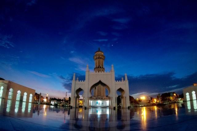 Foto: Menikmati Indahnya Masjid Raya Baiturrahman di Banda Aceh (1285848)