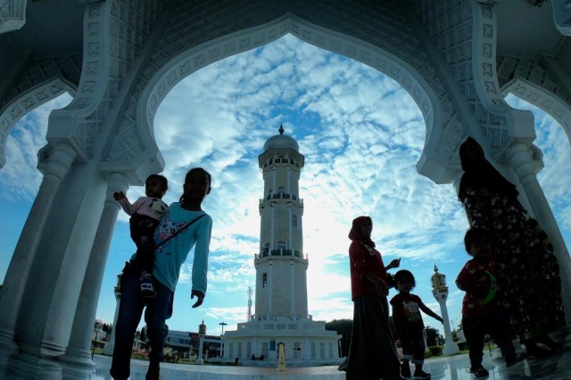 Foto: Menikmati Indahnya Masjid Raya Baiturrahman di Banda Aceh (1285847)