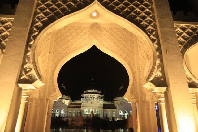 Foto: Menikmati Indahnya Masjid Raya Baiturrahman di Banda Aceh (1285849)
