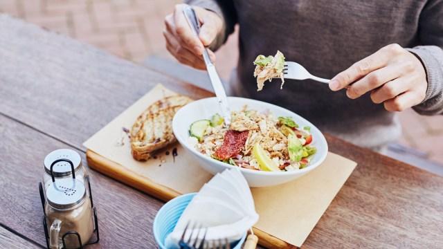 Ilustrasi makan siang sehat