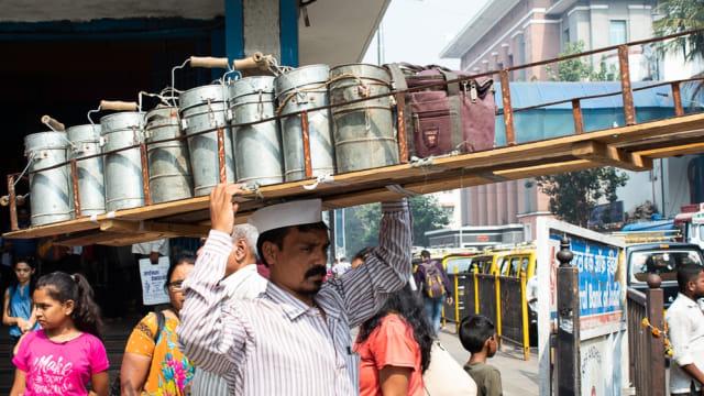 Dabbawalas, pengantar makan siang di India