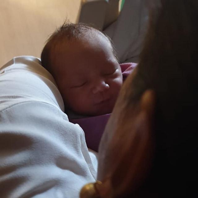 Hamish Daud dan bayinya