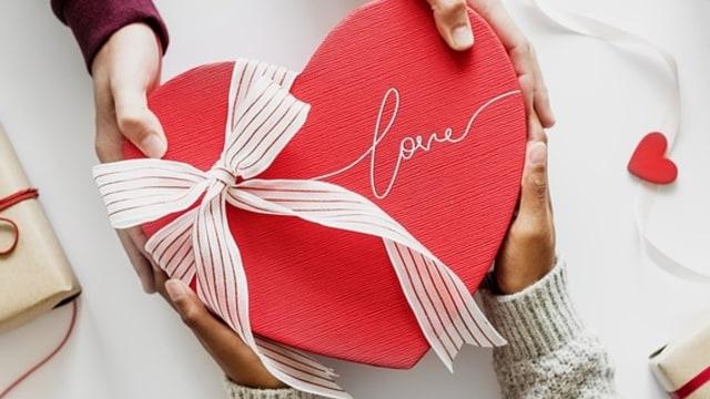 PROFIT 3- Ilustrasi Valentine
