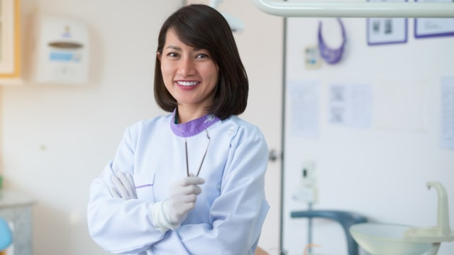 Ilustrasi dokter gigi anak