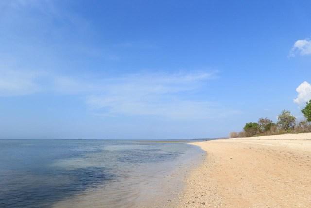 Pantai Nanga To I Surga Tersembunyi Untuk Camping Di Kilo Kumparan Com