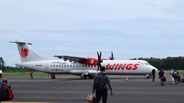 Wings Air ATR72-600 di Bandara Bua, Palopo