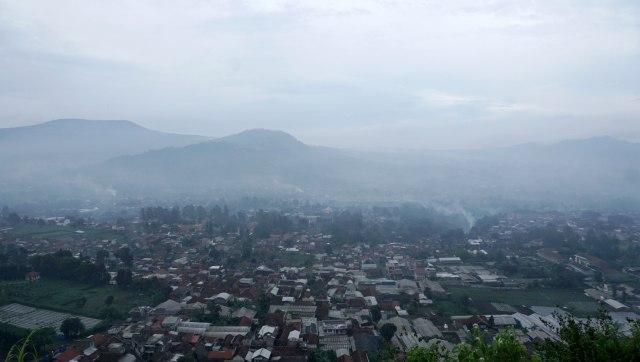 Mengenal Cekungan Bandung dan Potensi Bahaya 4 Gunung Api Sekitarnya (224075)