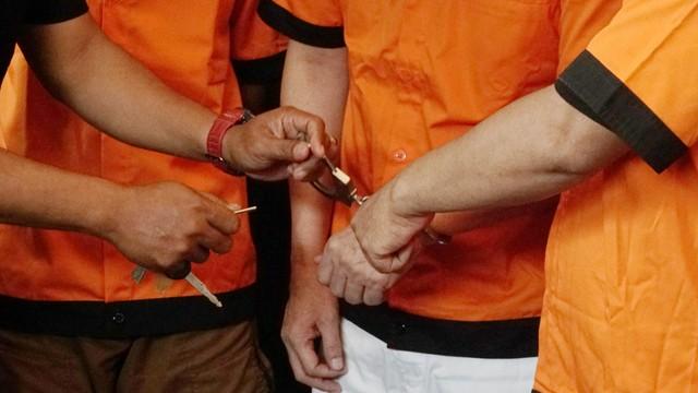 Kriminal Jabodetabek: Yodi Prabowo Diduga Bunuh Diri; Pasukan Oranye Jual Sabu (50592)